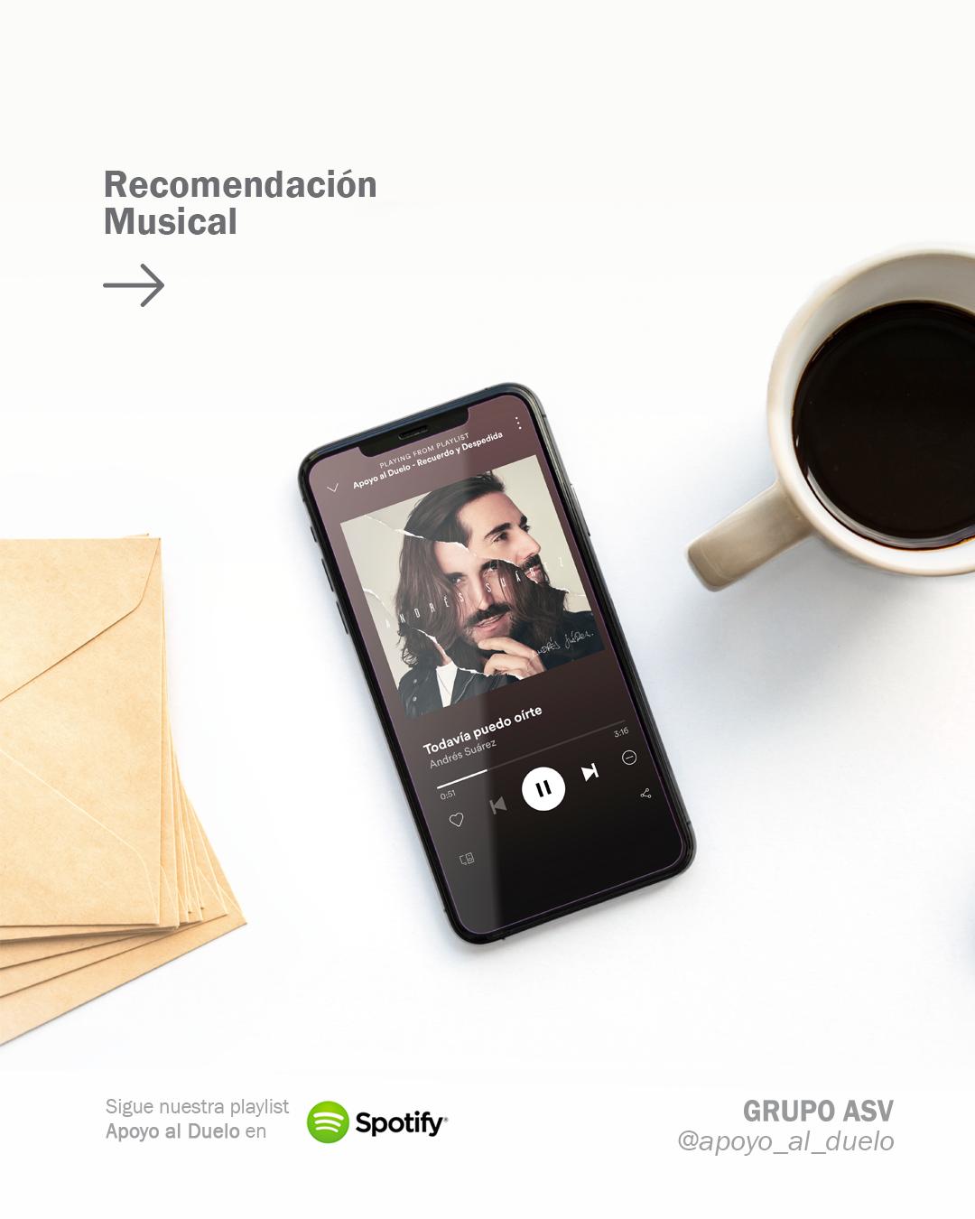 taza de cafe sobres y telefono movil con portada de todavia puedo oirte de andres suarez