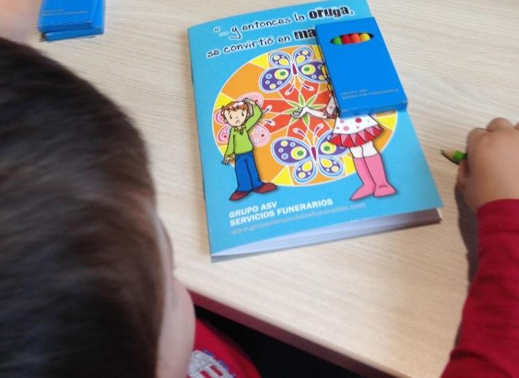 Cuadernos para colorear: un apoyo más para los niños en el tanatorio